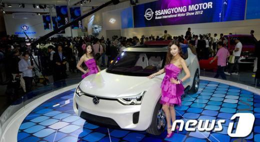 [사진]쌍용차가 국내최초 공개하는 컨셉카 'XIV-2'