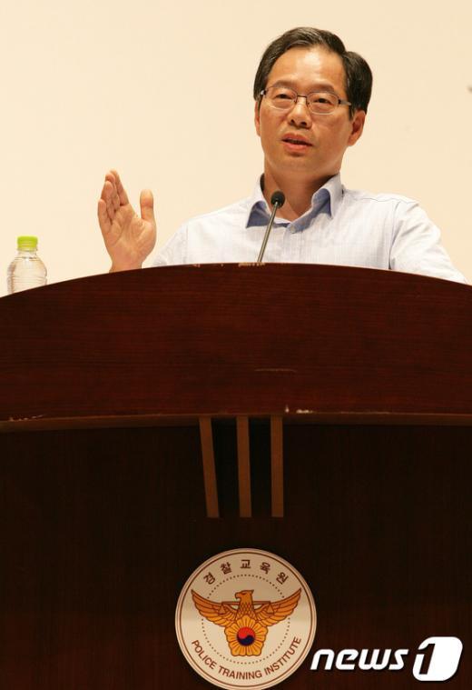 [사진]초심찾기 특강하는 김기용 경찰청장