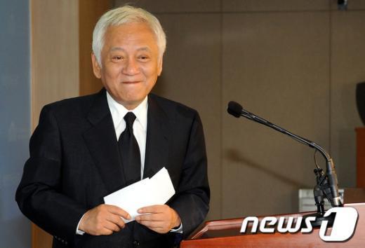 [사진]기자회견 마친 김한길 의원