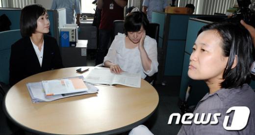 [사진]당기위 출석, 대기하는 김재연 의원과 두 후보