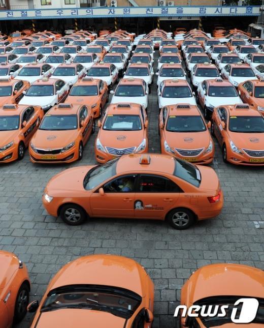 [사진]파업으로 운행 멈춘 택시