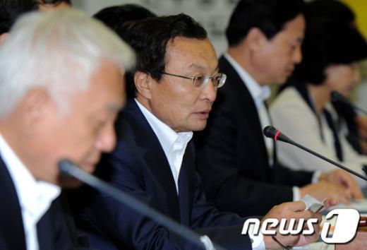 """[사진]이해찬 """"새누리당 유노동ㆍ유임금 태도 촉구한다"""""""