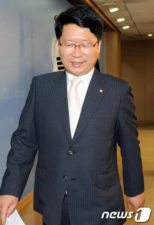 [사진]오병윤, 당원비대위 '해산'