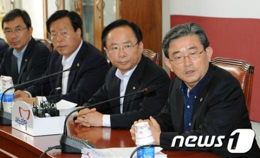 [사진]이한구 '대법관 인사청문 특위 모두발언'