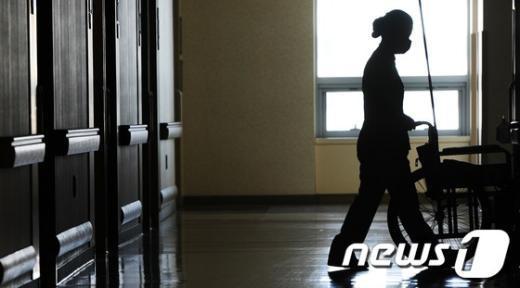 [사진]정전 모의훈련, '깜깜한 병동'