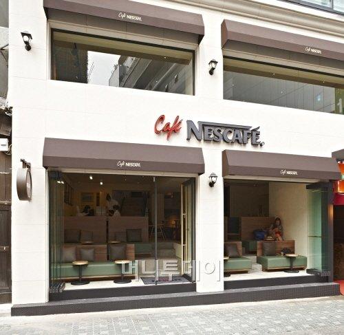 카페네스카페 100호점, 명동점 오픈.. 가맹사업 확대