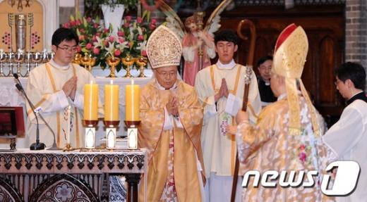 [사진]제14대 서울대교구장 염수정 대주교 착좌미사 봉헌