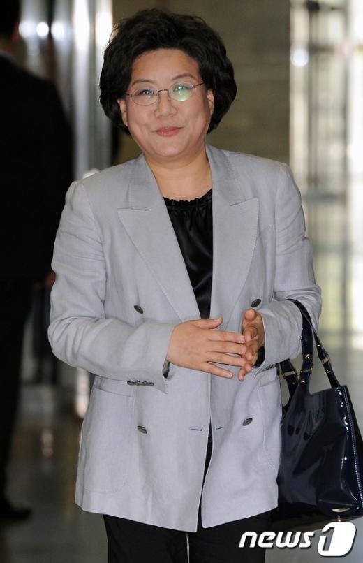 [사진]'경선룰 논의' 최고위원회의 참석하는 이혜훈