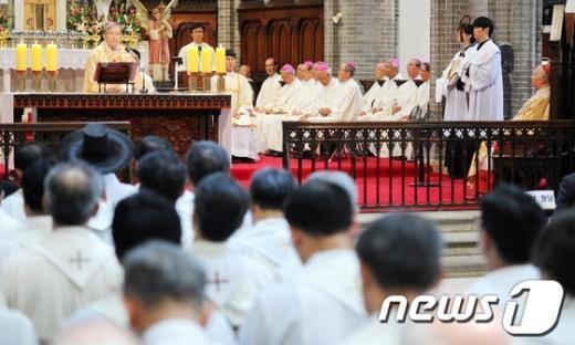 [사진]답사하는 염수정 대주교