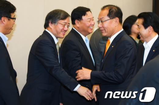 [사진]무역업계 대표들 만난 황우여 대표