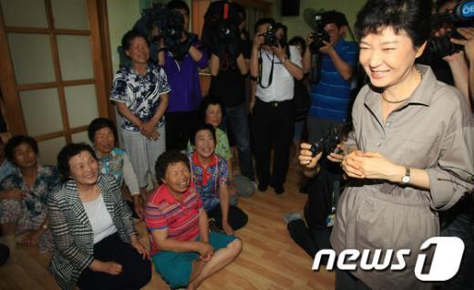 [사진]나주 주민들 만난 박근혜