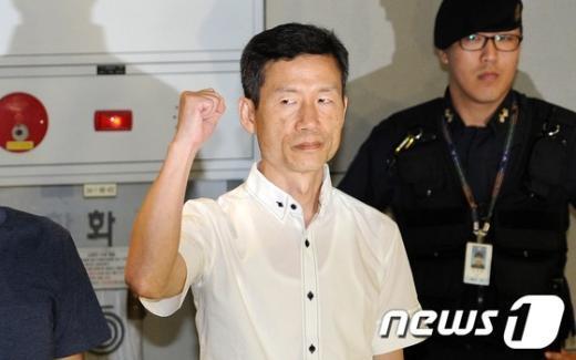 [사진]중국 구금 김영환씨, 114일만에 귀국
