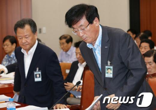 [사진]지경위 전체회의 출석한 남호기-김중겸