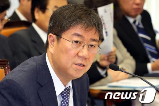 [사진]질의 답하는 김대기 경제수석