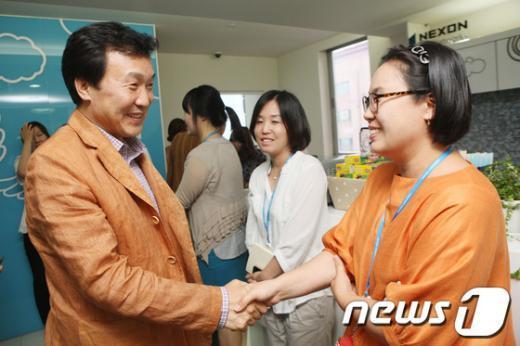 [사진]제주 넥슨네트웍스 방문한 손학규