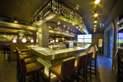 ↑ 매드포갈릭 싱가포르 클락키점 내부 Bar (사진제공=매드포갈릭)