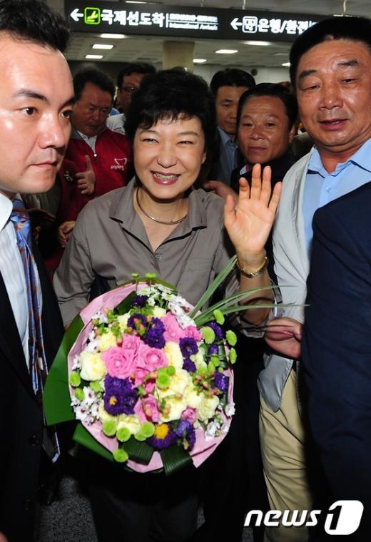 [사진]제주 도착한 박근혜 전 비대위원장