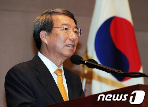 정운찬 동반성장연구소 이사장. 2012.7.16/뉴스1  News1 송원영 기자