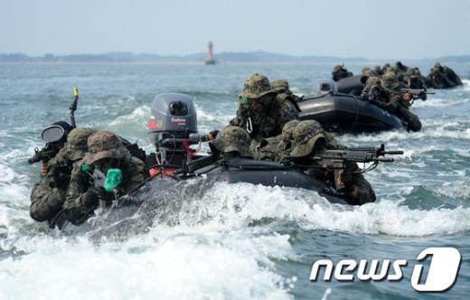 [사진]해상침투훈련