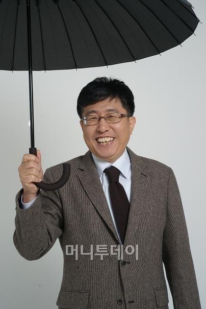 ↑한무영 서울대 교수 겸 빗물연구소장. ⓒ<빗물과 당신> 출판사 알마 제공.