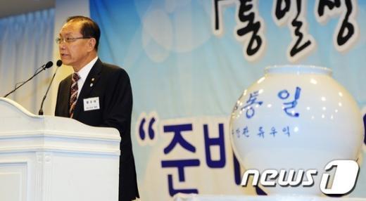 [사진]축사하는 황우여 대표