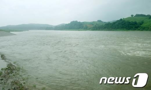 [사진]급격히 불어난 임진강