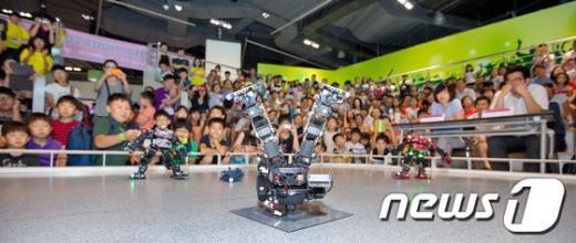 [사진]힙합전사가 된 로봇