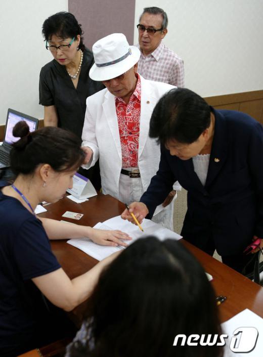 [사진]새누리당 선거인들의 표심은?