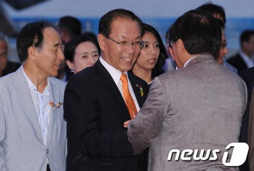 [사진]통일실천 축제한마당 참석한 황우여 대표