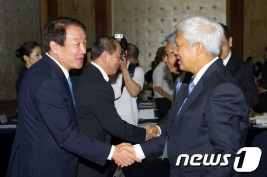[사진]아시아범죄학대회 참가한 권재진 장관