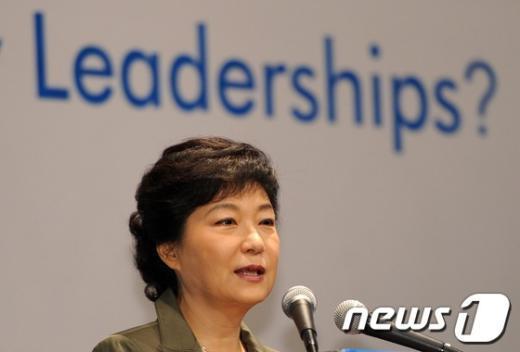 [사진]축사하는 박근혜 후보