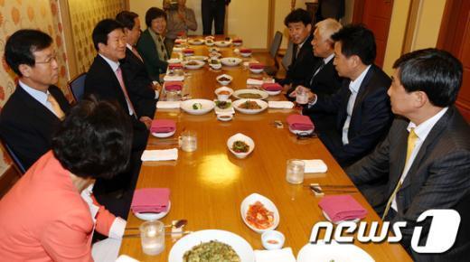 [사진]민주통합당 중진의원 긴급 회동