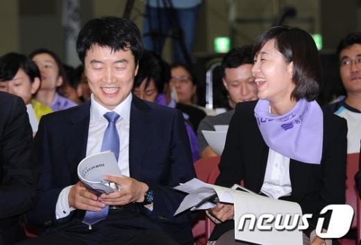 [사진]밝게 웃는 이석기-김재연