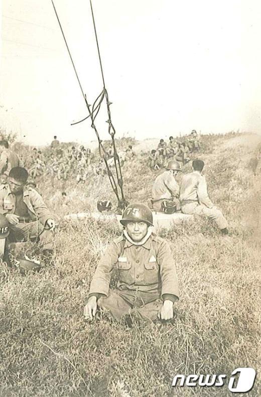 [사진]특전사 훈련 중인 문재인