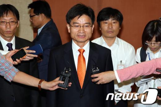[사진]대선출마 선언한 민병렬 전 대표직무대행