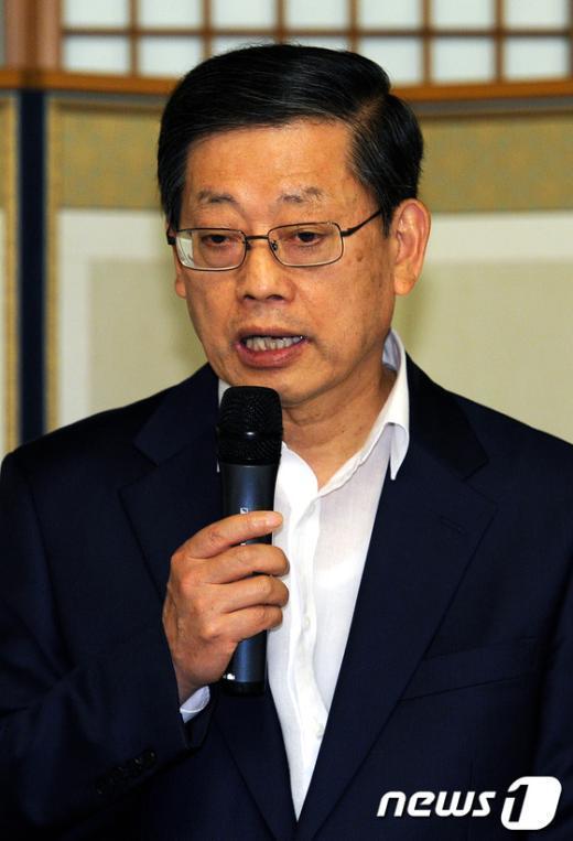 [사진]인사말하는 김황식 국무총리