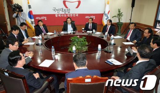 [사진]새누리당 선거대책본부회의