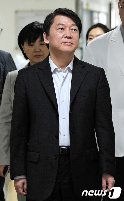 [사진]안철수 후보, 국군수도병원 방문