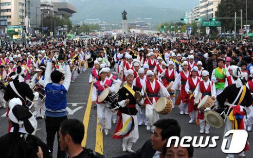 [사진]흥겨운 축제의 시작