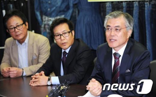 [사진]개성공단 기업인 만난 문재인 후보