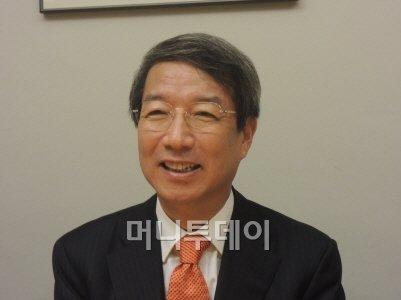 """정운찬, """"3주만에 판단 바꾸나"""" 박근혜 사과 비판"""