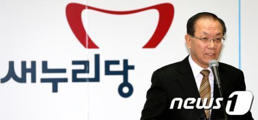 [사진]인사말하는 황우여 대표