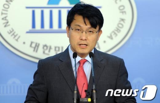 윤상현 새누리당 의원(자료사진). 2012.8.10/뉴스1  News1 이명근 기자