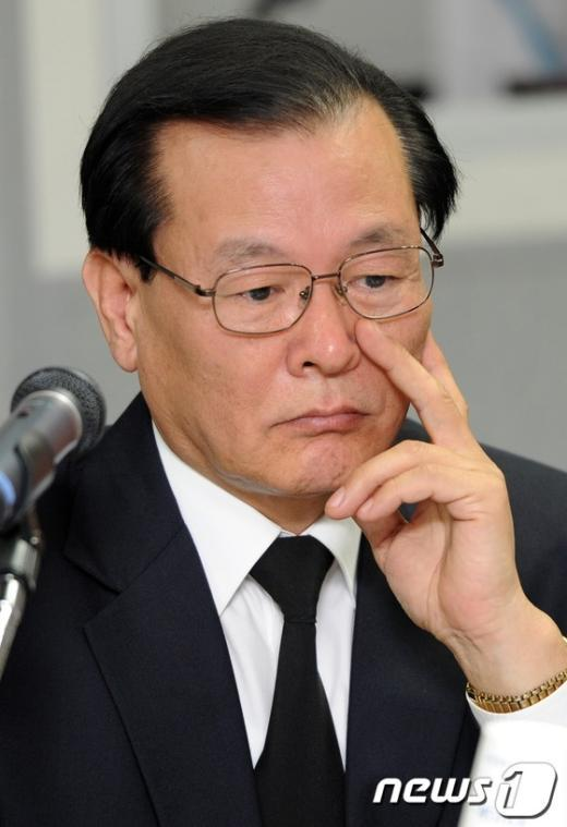 [사진]여야위원들의 질타에 난감한 박대원 코이카 이사장