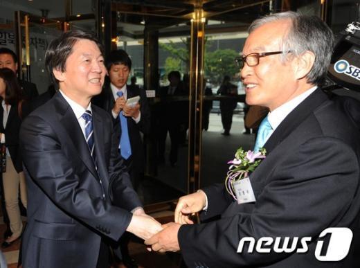 [사진]안철수 후보, 장명국 대표 면담