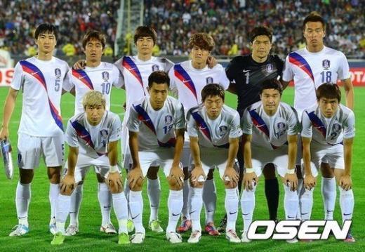 한국의 베스트11 이 포토타임을 갖고 있다. ⓒOSEN