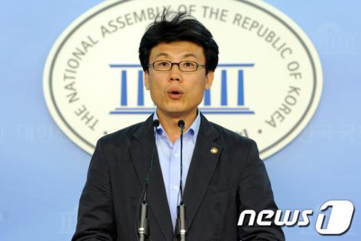 민주통합당 진성준 의원.  News1 박세연 기자