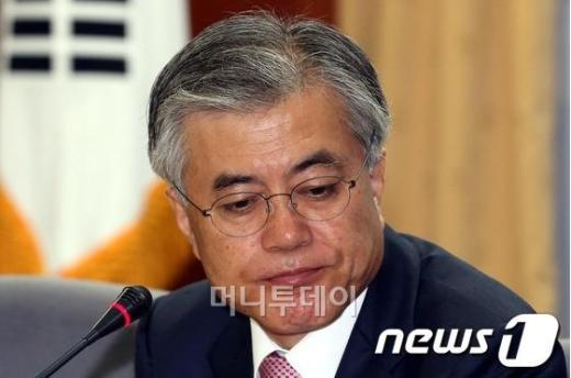 """문재인 """"지역구 200석으로 줄이자···지역주의 타파"""""""