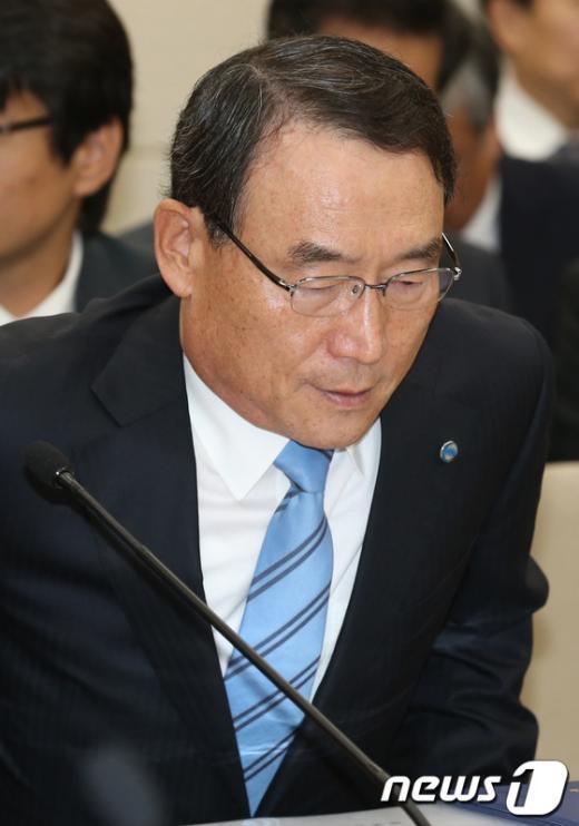 [사진]국감 출석하는 김인규 사장