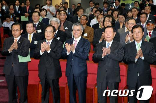 [사진]재외선거대책위원회 발대식 참석한 문재인 후보